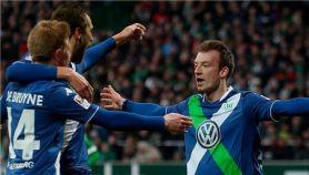 多斯特卡利朱里梅开二度 狼堡5-3大胜不莱梅