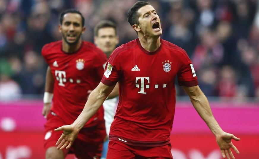 比达尔传射莱万双响 拜仁3-0完胜沙尔克04