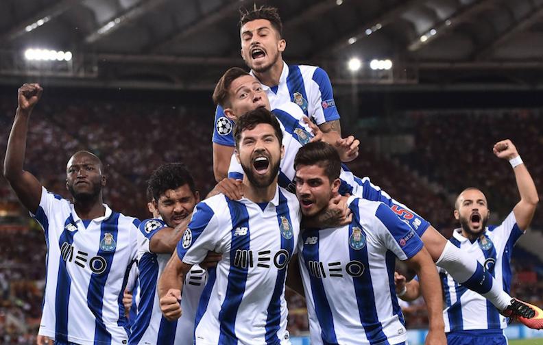 德罗西蹬踏染红 9人罗马0-3波尔图遭淘汰