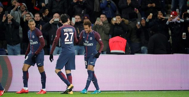内马尔传射卡瓦尼进球 巴黎2-0特鲁瓦