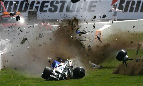 撞车惊魂时刻!本世纪F1十五大车祸事故现场