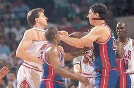 真实拳击场!NBA季后赛十大斗殴时刻
