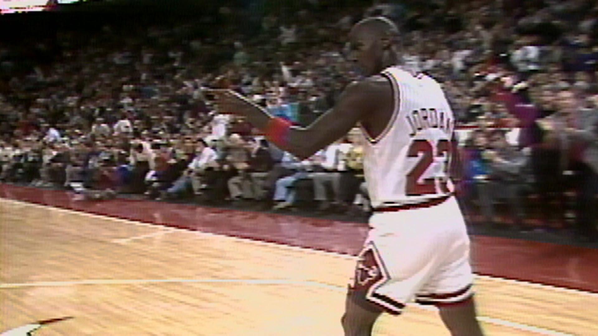 伯德砍三双乔丹狂揽54分!盘点NBA揭幕战最强表现